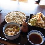 草允 わらび野 - かも汁(1250円+200円の大盛り)と野菜天ぷら(550円)