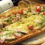 ゴエンヤ - ピザパンは、何処か懐かしく期待を裏切らない名脇役