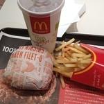 マクドナルド - 今日のお昼はマクドで^_^
