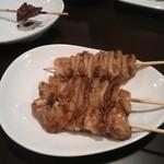 焼き鳥 大関 - 皮&ボンジリ