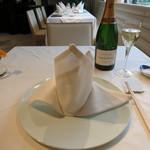 メゾン・ド・ユーロン - NM CHAMPAGNE BRUT Laurent-Perrier 400円/90mlランチグラス    インテリア テーブルセッティング