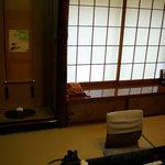 割烹 松楽 - 外側の窓