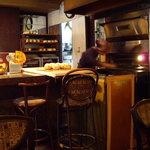 coffee shop KAKO - optio A30で撮影。焼きたてのパン。