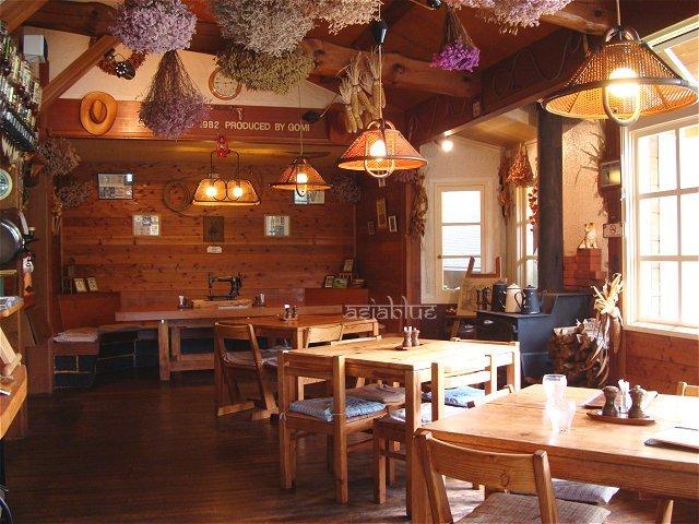 『白樺湖畔のカントリー調レストラン』by asiablue : カントリー ...