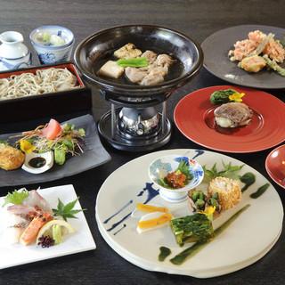 蕎麦料理と厳選した日本酒をお楽しみください。