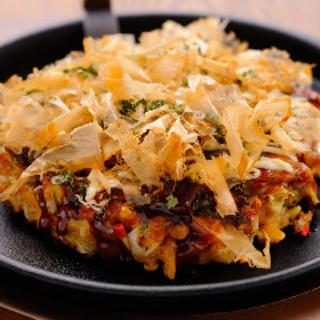 食材本来の味と個性を引き出す、豪快かつ繊細な鉄板料理◎