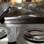 かき焼 うちの海 - 専用の牡蠣焼き機