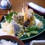 味処 つき亭 - 料理写真:特盛天ぷら定食