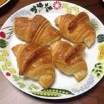 パンの音 - クロワッサン4個160円