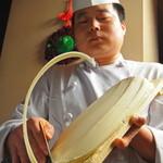 唐朝刀削麺 - 西安で修業を積んだ一流麺点師!