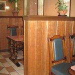 2271681 - テーブル席・座敷もあり。中庭もありとってもきれいな店内です。