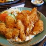 とんかつ錦 - やはりトンカツ専門店の牡蠣フライは旨いネェ