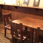 ムーンシャイン - テーブル席 (2013/11)