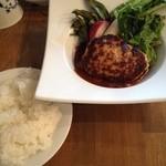 神田バル - ハンバーグ デミグラスソース(850円)