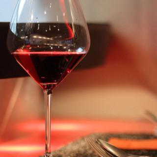料理に合わせたおすすめのワインを、ソムリエがセレクト♪