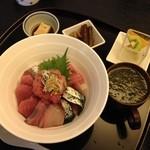 ごはん処 花季 - 海鮮丼(1900円)