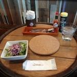 椿 - ランチにつくサラダ