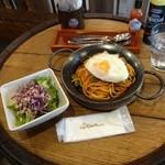 椿 - ナポリタンランチ750円+目玉焼きトッピング100円