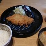 22724770 - ロースカツ定食