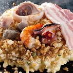 まゆみ - 「まゆみ」のお好み焼きは周りはサクサク、中はとろっとしっとり!毎日、安さとおいしさをモットーに頑張ってます!!