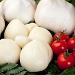 まゆみ - どこにも負けない!『まゆみ』で使用のにんにくは、青森県産の『自慢の国産にんにく』プチトマトより粒が大きいんです!