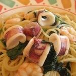 スパゲッテリア アリオ - エビイカホウレンソウの和風スパゲティ