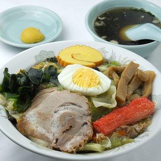 銀龍 - 料理写真:五目固焼きそば950円