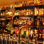 21House - ウイスキー300種類・シングルモルト100種類・ブランデー60種類・ワールドビア100種類