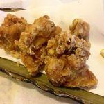 寿司の居酒屋 甚 - 自家製鶏の唐揚 400円