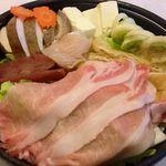 寿司の居酒屋 甚 - 特製よせ鍋 1人前 850円