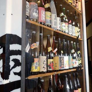 幻の焼酎や限定酒など多数。焼酎は50種類以上取り揃えています