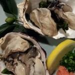 地酒と宮城のうまいもん処 斎太郎 - 少し小ぶりだけど宮城県産プリプリの生牡蠣