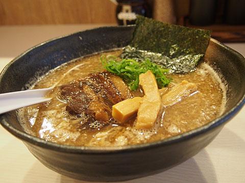 光 - らーめん(正油味) (¥680)