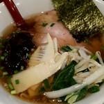 一酵や - 醤油ラーメン(790円)