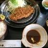 かつ新 - 料理写真:とんかつ定食(850円)
