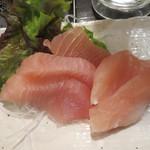 呑む三 - 赤まんぼう刺身350円