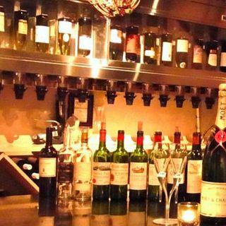 20種のグラスワインは600円~