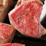 焼肉グレート - 肉の旨みを閉じ込めるように美味しく焼いてくださいね!