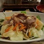 22760186 - ラム温野菜定食500円
