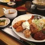 オリーブ・キッチン  - オリーブ定食はすご〜いボリュームなのです(o^^o)
