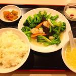 星宿飯店 - A定食(旬の野菜と海鮮炒め)500円