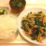 へそまがり - ★野菜炒め定食780円