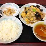 22766226 - 豚肉とキクラゲ卵炒め定食950円