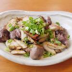 Shirogane-Table - 小川きのこ園のエリンギをつかい、マリネした砂肝と炒めました。バルサミコソースがアクセントの『エリンギと砂肝のコリコリ』680yen