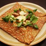 ブレッツカフェ クレープリー - 【12月のガレット】シポラタソーセージ、ポテト、チーズによるコクと旨み満載のガレット