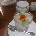 萬珍樓 - フルーツ杏仁豆腐