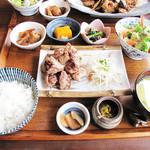 御飯屋  おはな - ステーキ膳の糸島セットとチキン南蛮プレートが人気らしいですが、今回は伊都国地鶏炭火焼セット1,500円。