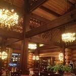 レストラン メドー - ログ造りのレストラン