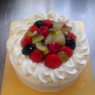 ストラスブルジョア - 料理写真:誕生日ケーキ