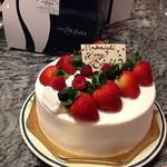 シェ・シバタ - シェ・シバタの誕生日ケーキラ・シャンティ18cm 3500円 2013.11月撮影